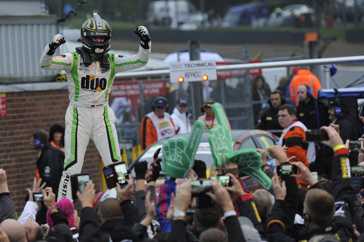 Outright BTCC Win for Austin and Handy Motorsport at Brands Hatch GP